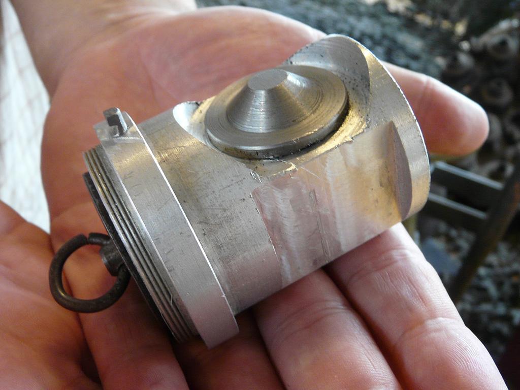Close-up of the mechanical impact fuze.